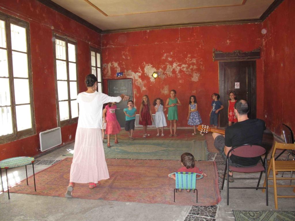 cours de théâtre lors du stage enfant avec Anne-Valérie Soler (Théâtre de l'éventail Nîmes)